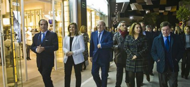 Inauguración centro comercial en Huelva